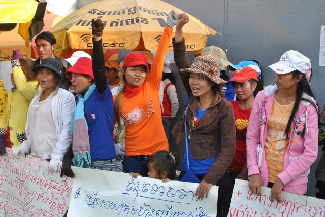 Protest kambodżańskich pracownic przemysłu odzieżowego