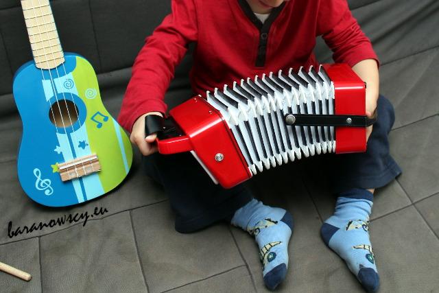 gitara_i_akordeon_1