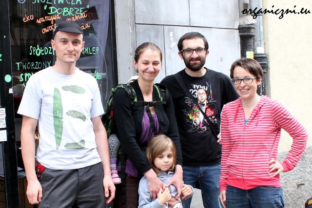 Organiczni i Better Land (od lewej: Tadeusz, Gosia z Weroniką, Paweł i Asia)