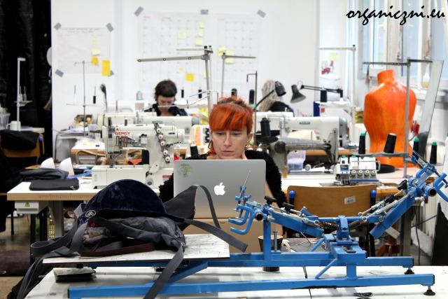 Wear.coop: dziewczyny przy pracy