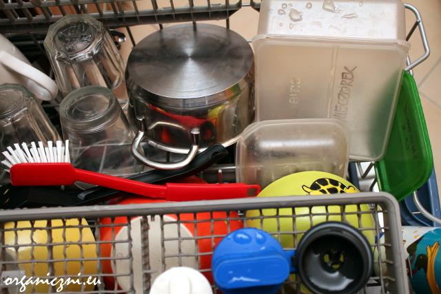 Czyste zmywanie po użyciu proszku Bio-D (górny koszyk zmywarki)
