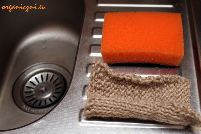 Gąbka syntetyczna kontra myjka konopna