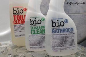 Trzy produkty Bio-D do czyszczenia łazienki