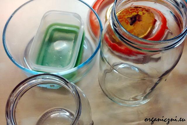 Szklane pojemniki na żywność, które zabieram do pracy
