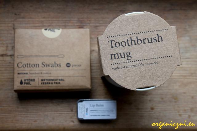 Hydrophil, patyczki do uszu, kubek do zębów i balsam do ust