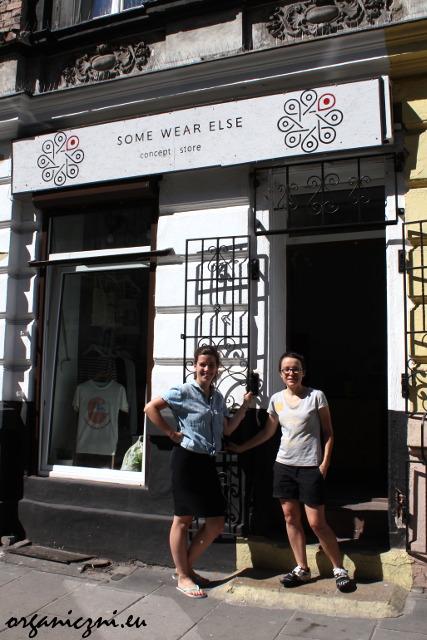 Some Wear Else - pozujemy z Igą przed sklepem