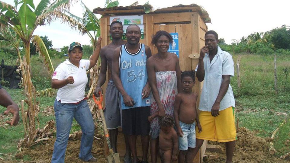 Nowa toaleta. Zdjęcie: http://www.biotropic.comotropic.com