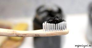 Przepis na czarną pastę do zębów
