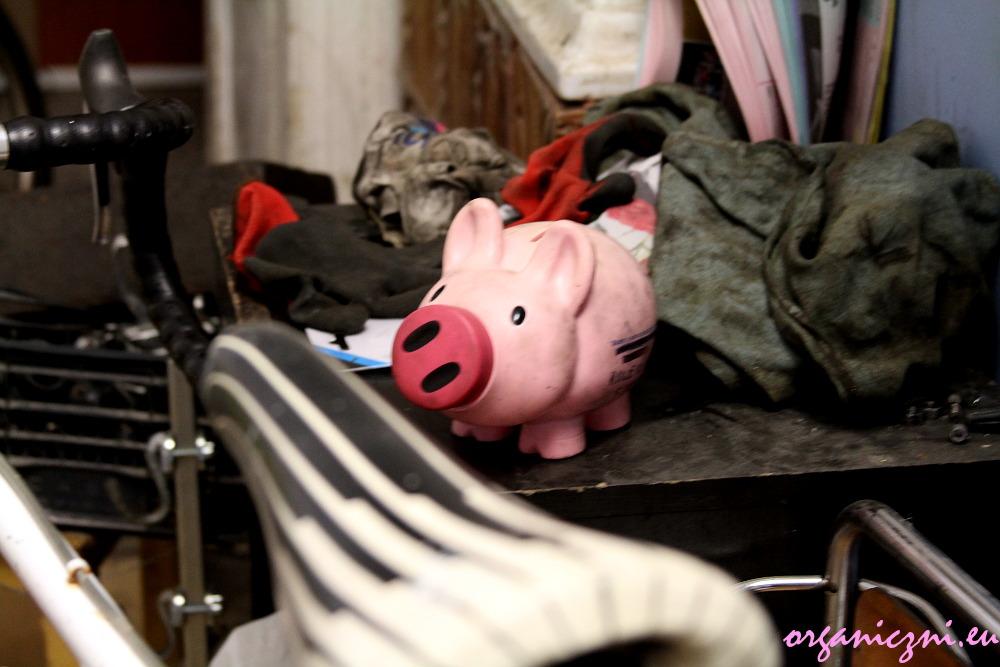 Rowerownia Syrena, świnka skarbonka finansuje zakupy