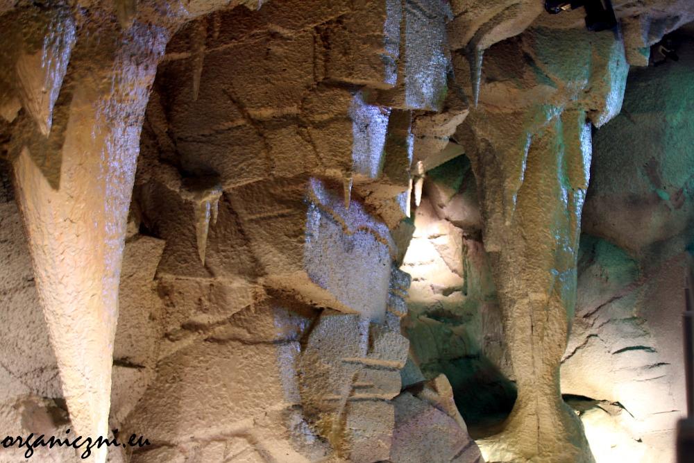 Centrum Edukacji Przyrodniczej, sztuczna jaskinia