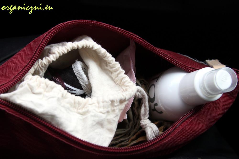 Kubeczek menstruacyjny podróży: przydatny zestaw