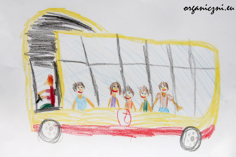 Dobry transport publiczny to uśmiechnięci pasażerowie (rysunek naszego młodszego syna)
