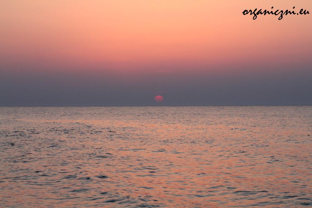 Zachód słońca może być piękny po prostu, bez żadnych lampionów