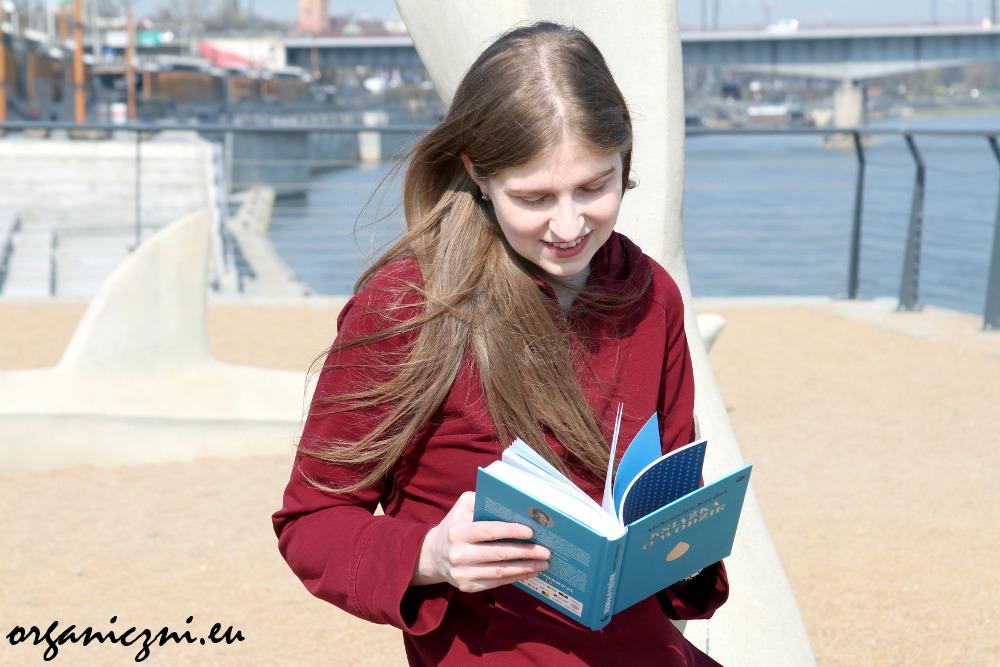 """Aleksandra Kardaś, """"Książka o wodzie"""""""