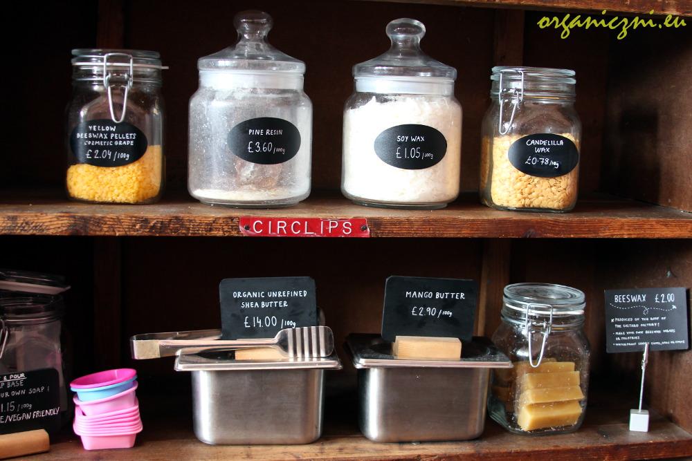 The Clean Kilo: surowce   raw materials