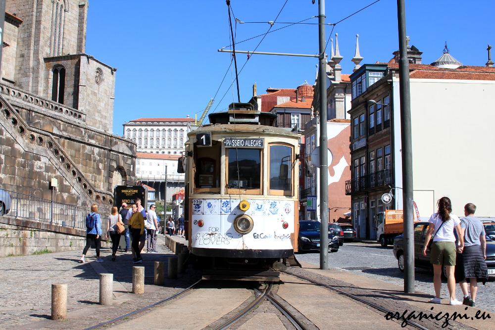 Porto, tramwaj linii 1