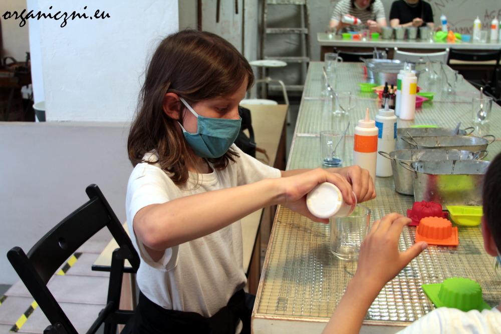Warsztaty z mydełkami glicerynowymi, Muzeum Mydła i Historii Brudu